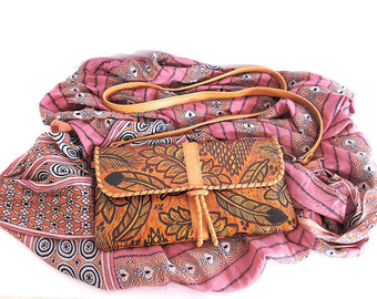 HAND TOOLED LEATHER Bag in Camel. Distressed Western in Sioux Tribal Feathers