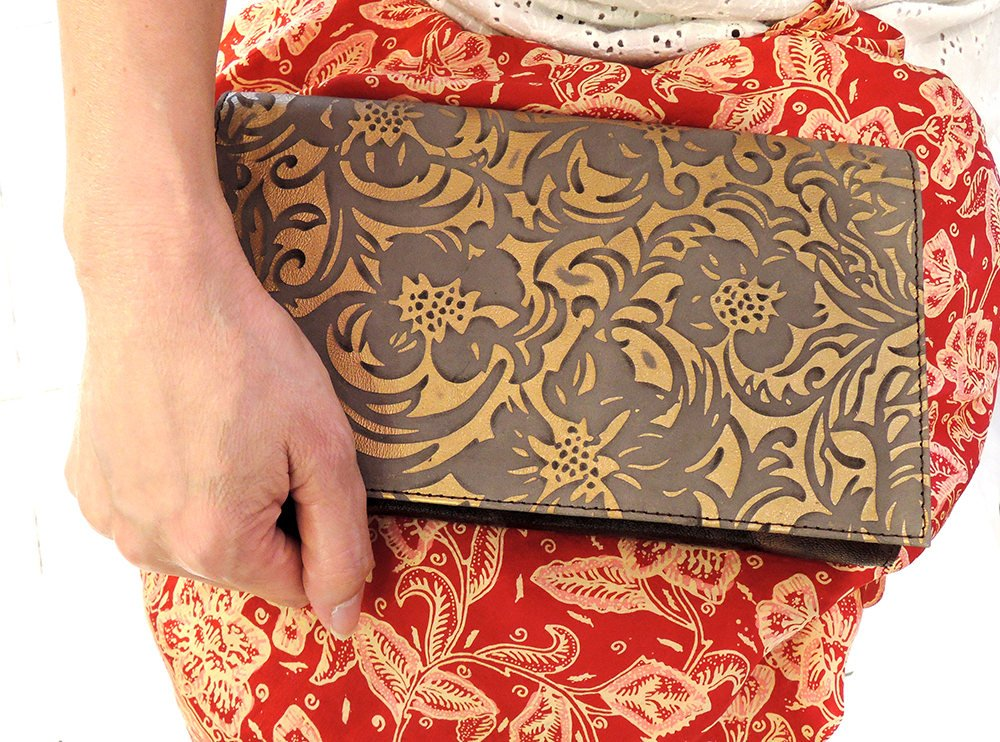 UNIQUE CLUTCHES GOLD Wallet Carved w/ Bronze. Travel Passport Case / Card Slots