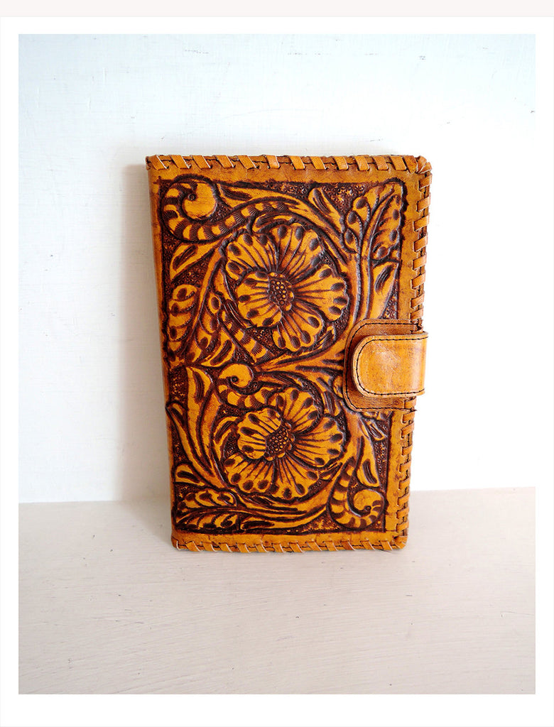 WOMENS WALLET HANDCARVED /  Vintage Camel Hand Tooled Clutch Vegetable Tanned