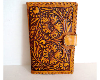 WOMENS WALLET HANDCARVED /  Vintage Camel Hand Tooled Clutch Vegetable Tanned. Antique Wallet