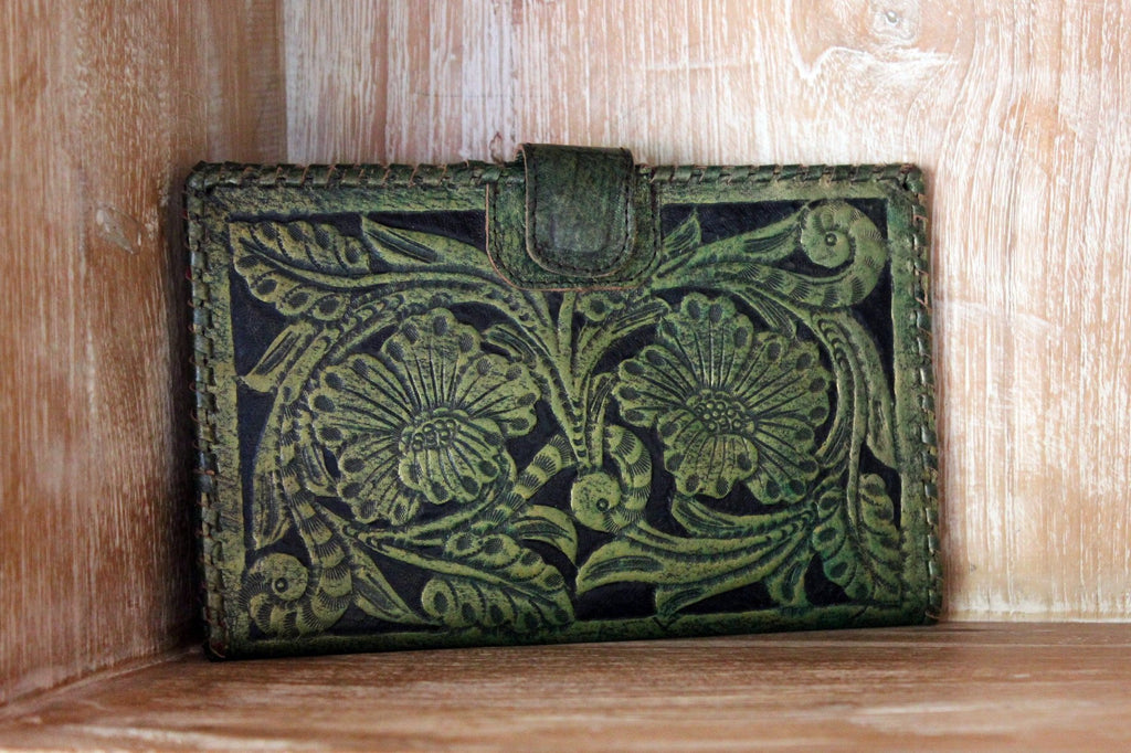 TRAVEL WALLET GREEN / Beautifully Hand Tooled Antique Clutch Cow Leather w/ Multiple Slots. Antique Wallet