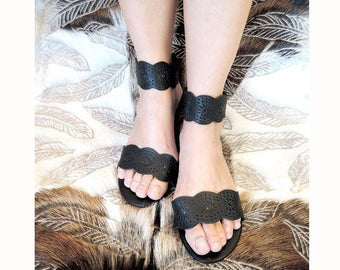 BLACK LEATHER SANDALS / Hand Tooled Sandals / Slip Ons Resort Wear in Soft Leather.