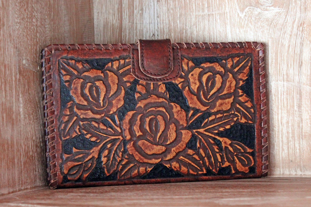 WOMENS WALLET HANDCARVED Roses /  Beautifully Floral Hand Tooled Leather Clutch Vegetable Tanned / Multiple Card Slots. Antique Wallet