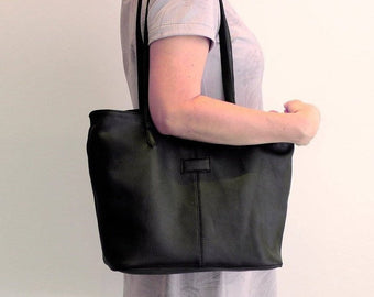 BLACK LEATHER TOTE Bag w/ 2 Zipper Top, Overnight Weekender