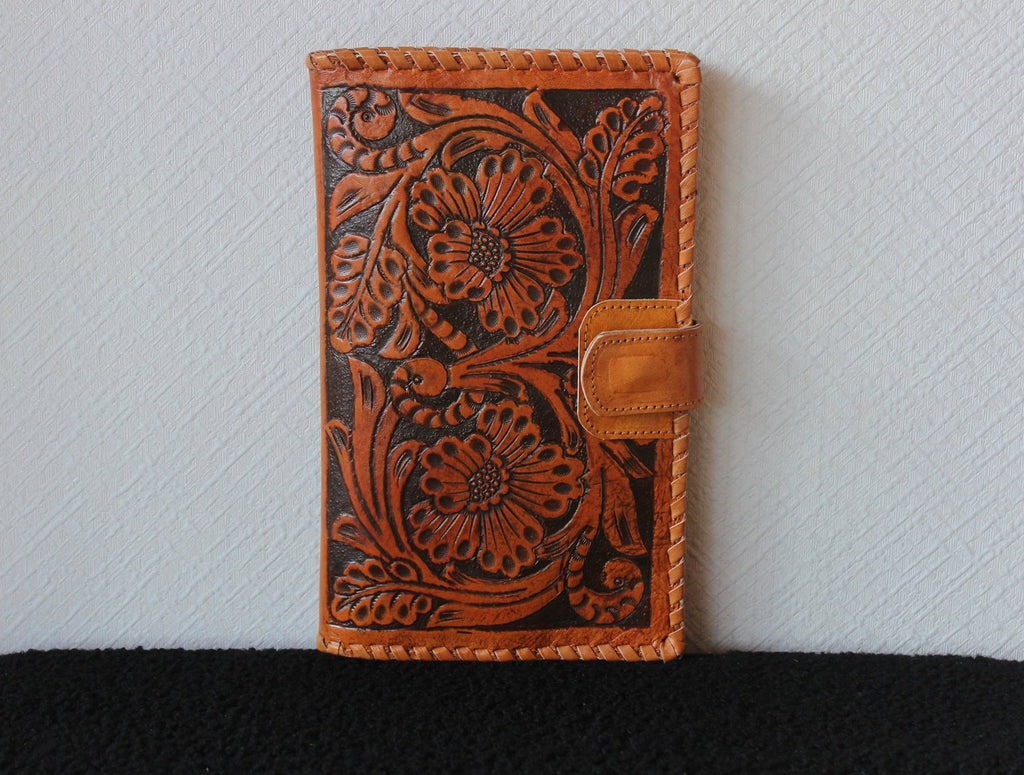 WOMENS WALLET HANDCARVED /  Antique Wallet. Hand Tooled Clutch Vegetable Tanned. Antique Wallet