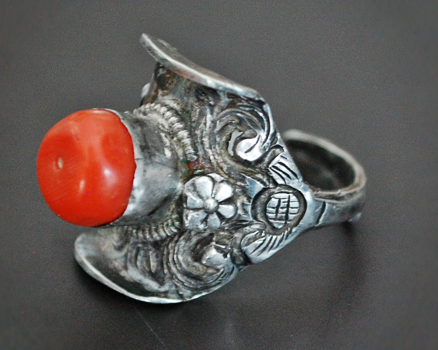 Antique Tibetan Coral Saddle Ring - Size 8.5
