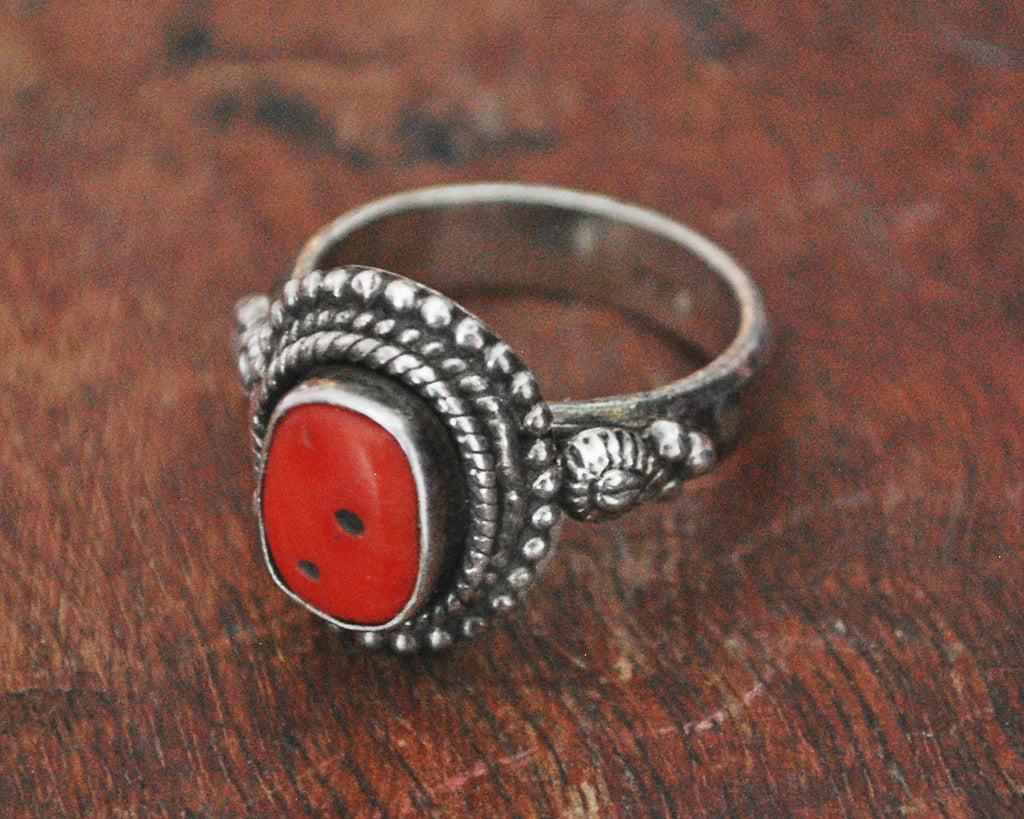 Vintage Nepali Coral Silver Ring - Size 8