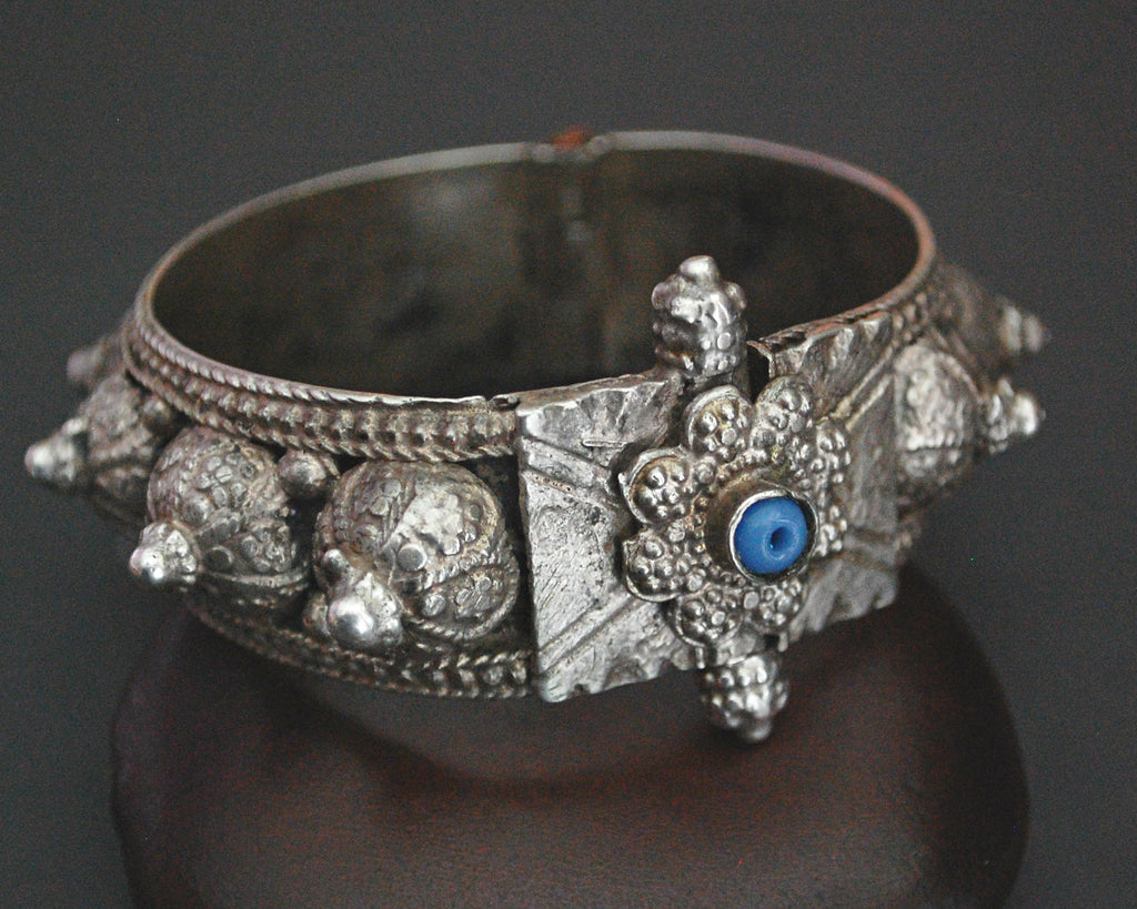 Yemeni Bedouin Hinged Silver Bracelet with Blue Glass