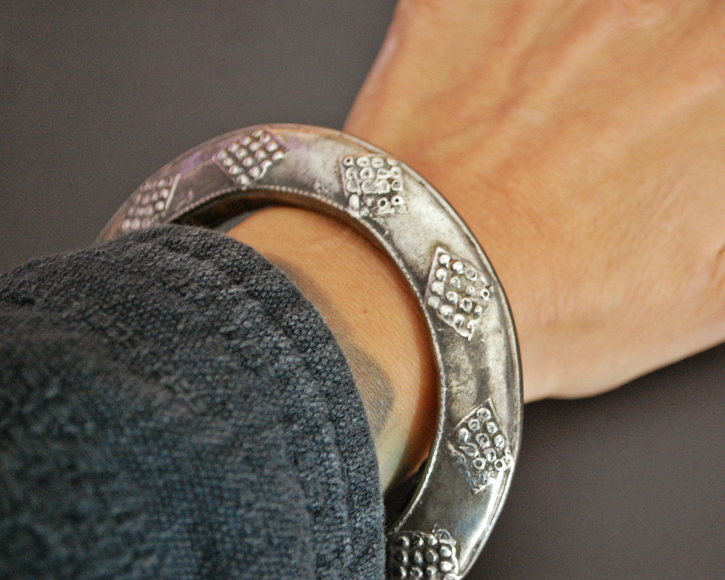 Old Yemeni Bedouin Bangle Bracelet