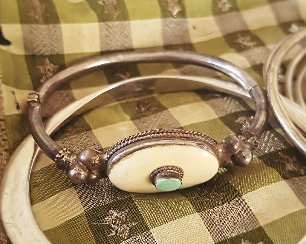 Small Tibetan Turquoise Bone Hinged Bangle Bracelet