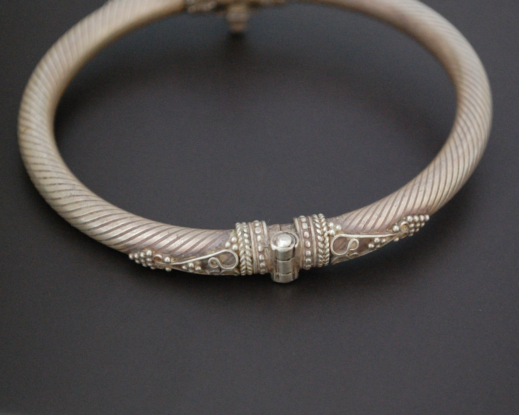 Ethnic Indian Silver Bracelet from India - Hinged