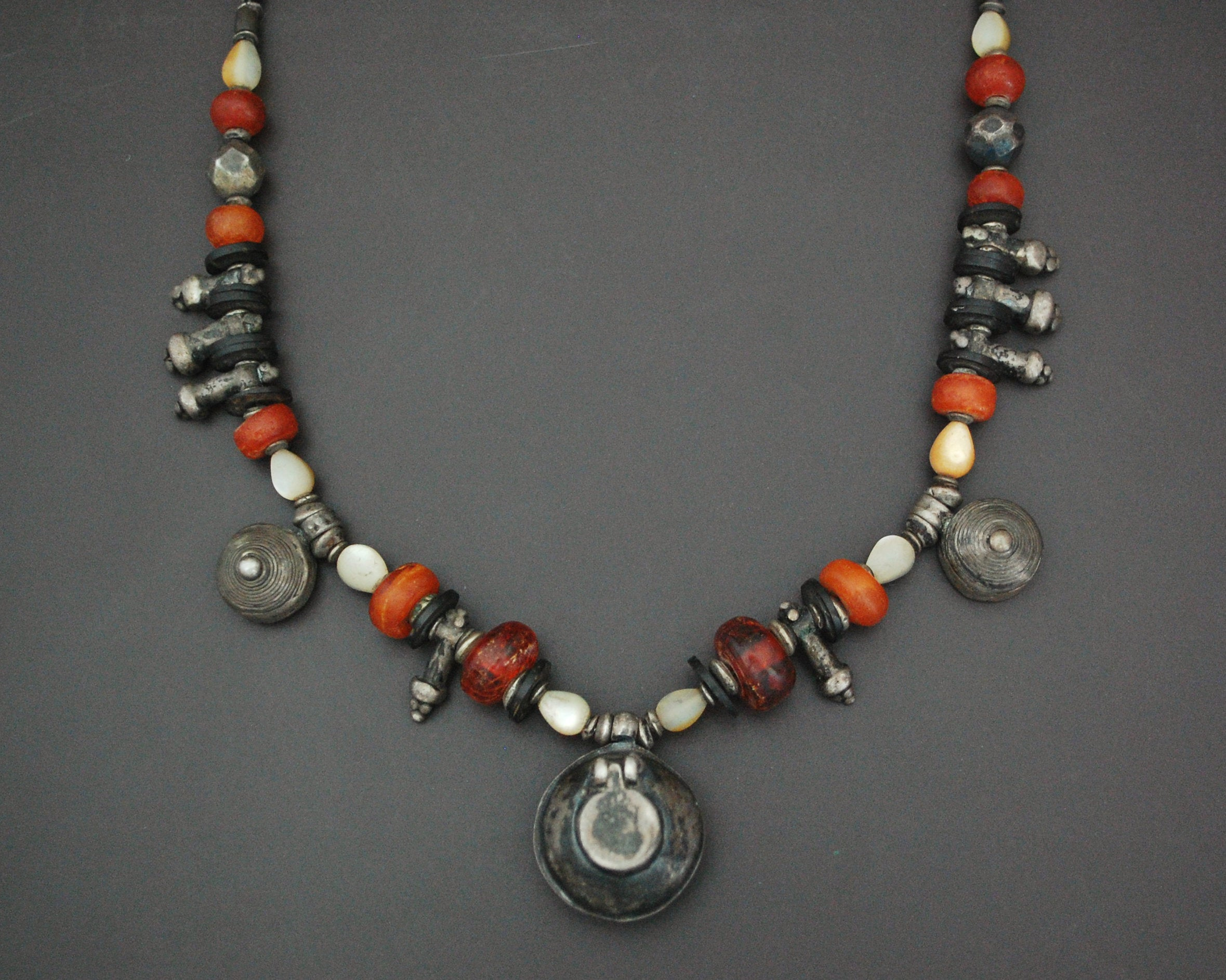 Ethnic Amber Mother of Pearl Silver Beads Necklace