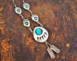 Native American Bear Claw Necklace with Turquoises
