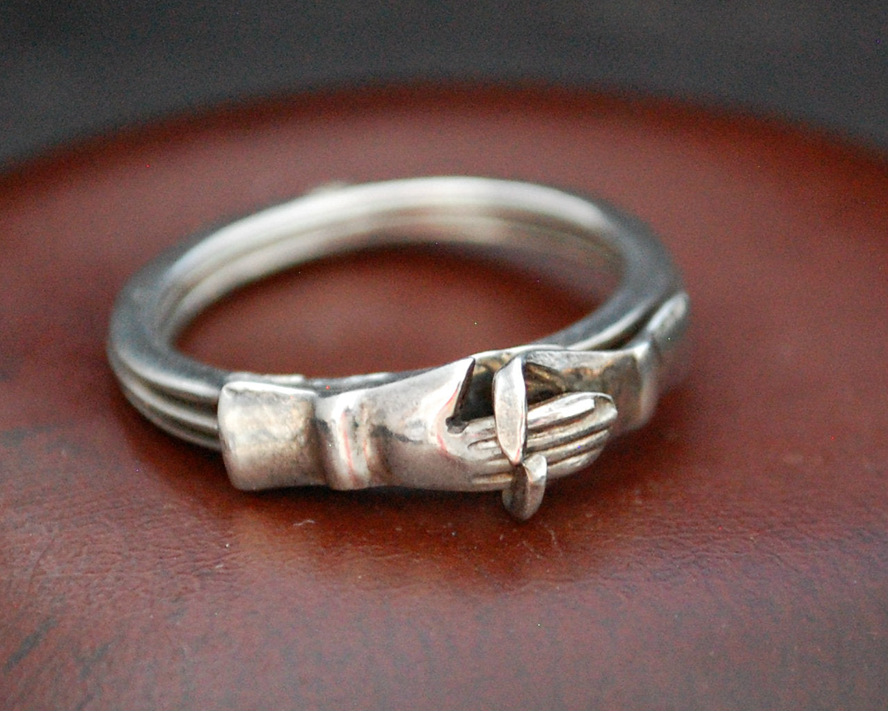 Vintage Berber Friendship Ring - Size 7