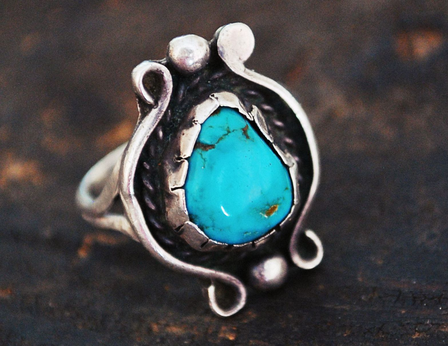 Native American Navajo Turquoise Ring - Size 8