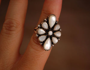 Native American Navajo Mother of Pearl Ring - Size 6
