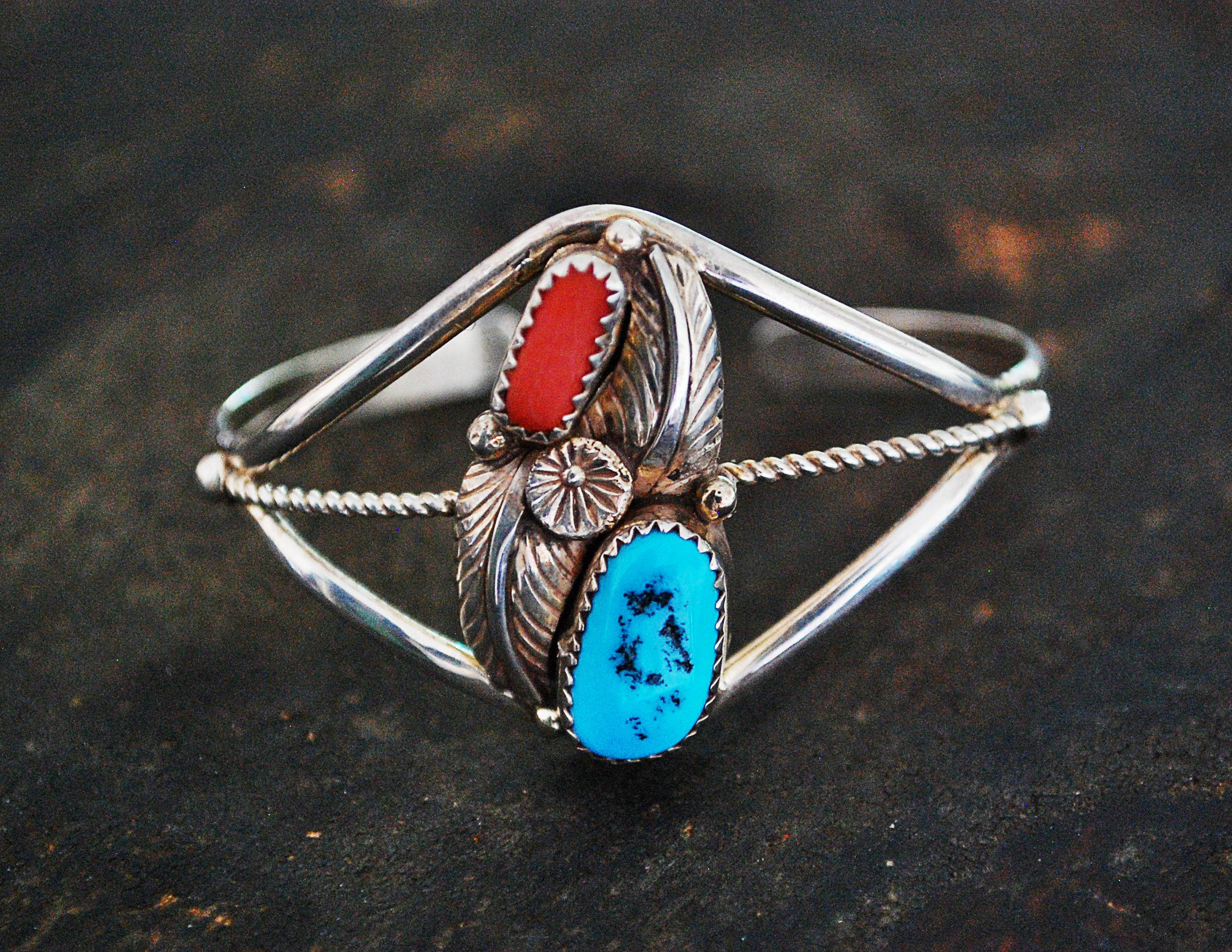 Native American Navajo Cuff Bracelet with Coral, Turquiose, Flower and Leaf - Navajo Bracelet - Navajo Jewelry - XS