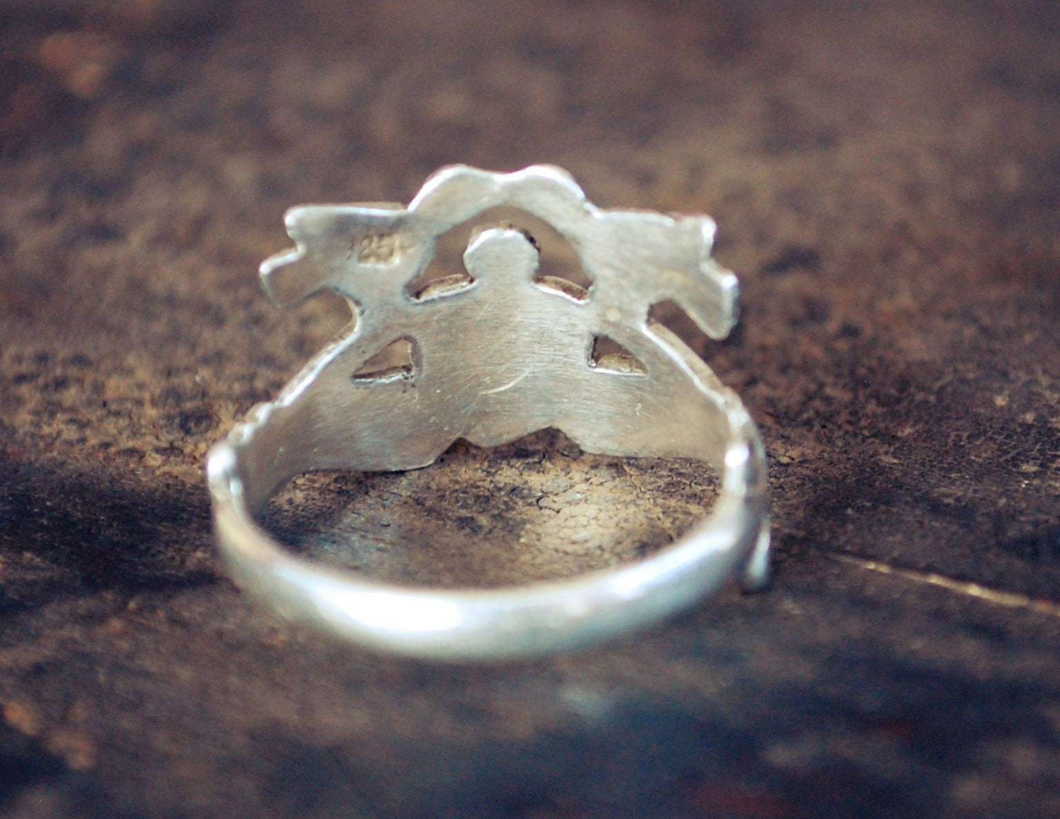 Claddagh Ring with Kissing Birds - Size 8 - Engagement Ring - Sweetheart Ring