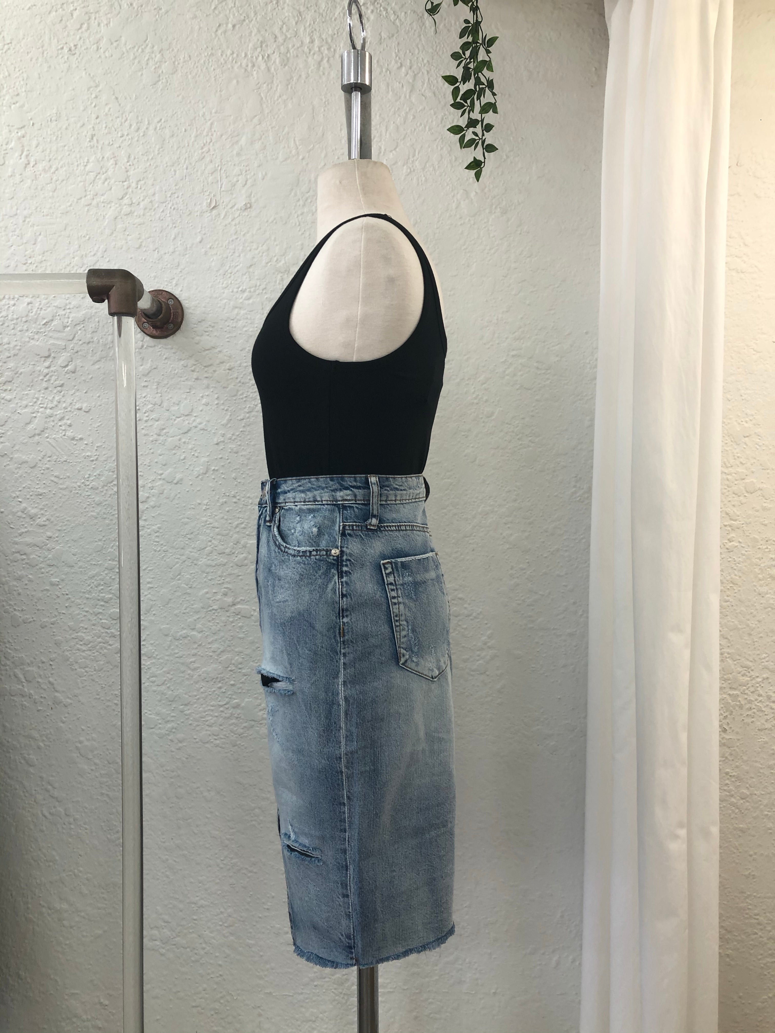 Wild Knee Length Denim Skirt