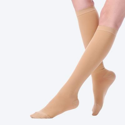 CPS-3006 Knee high compression stockings (Closed toe)