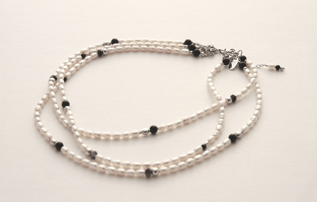 Three Strands Short Necklace with Freshwater Pearls, Agate and Silver