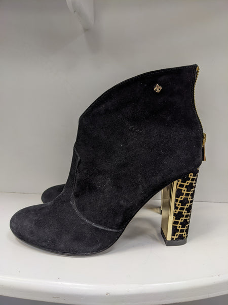 Amy huberman suede  boot