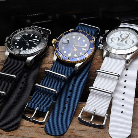 Wristwatch with nylon strap
