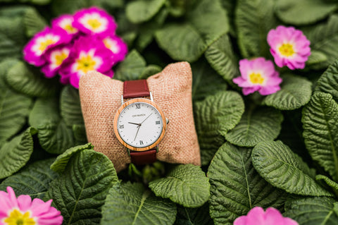Round Ovi Wooden Watch London Class