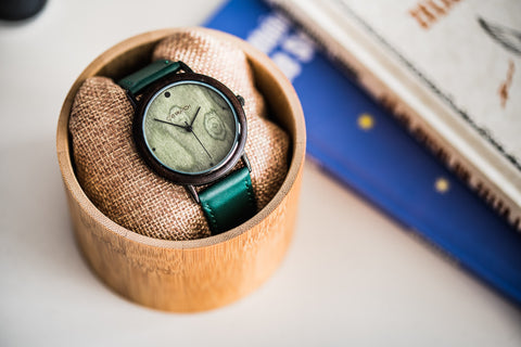 Ovi Dark Wood Watch With an Alloy Case Viridi