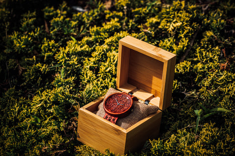 Best Engraved Wooden Watches by Independent Ovi Watch