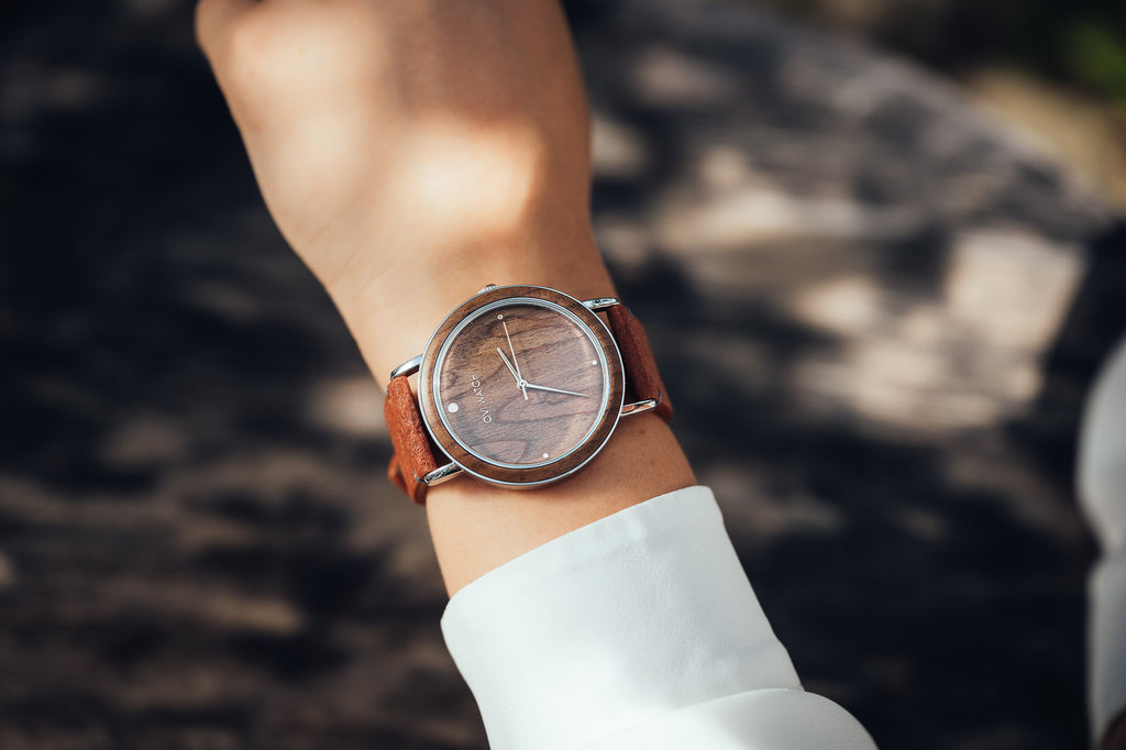 Vibe - Wooden Watch with Pineapple Leather Starp