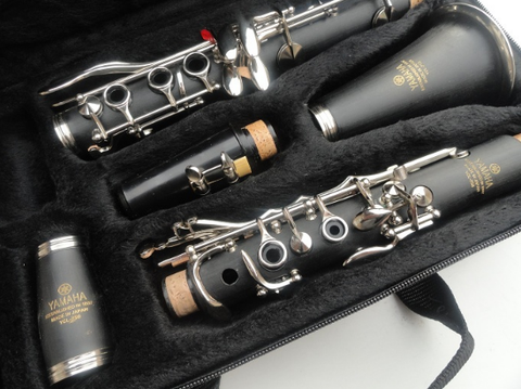 Image of Professional 17 Key Bb Clarinet YCL-250 YAMAHA
