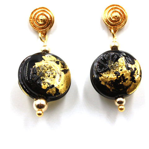 Black lentils with Gold Earrings | The Earring Collection