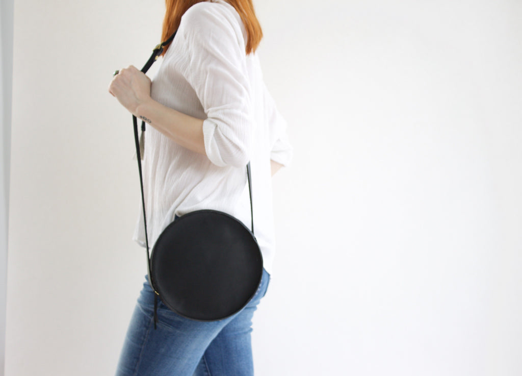 Marina Circle Bag in Black
