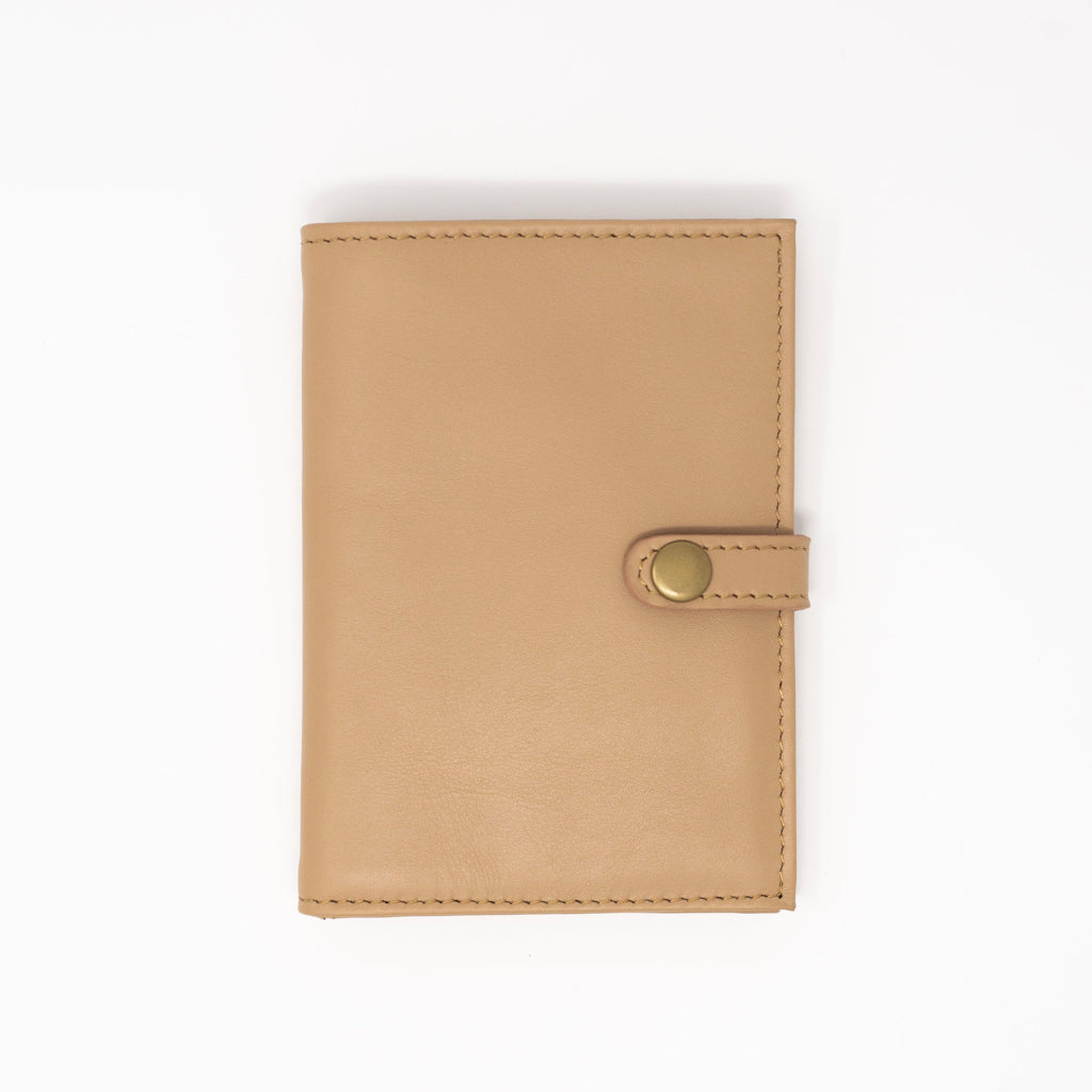 Leather Travel Wallet in Cappuccino