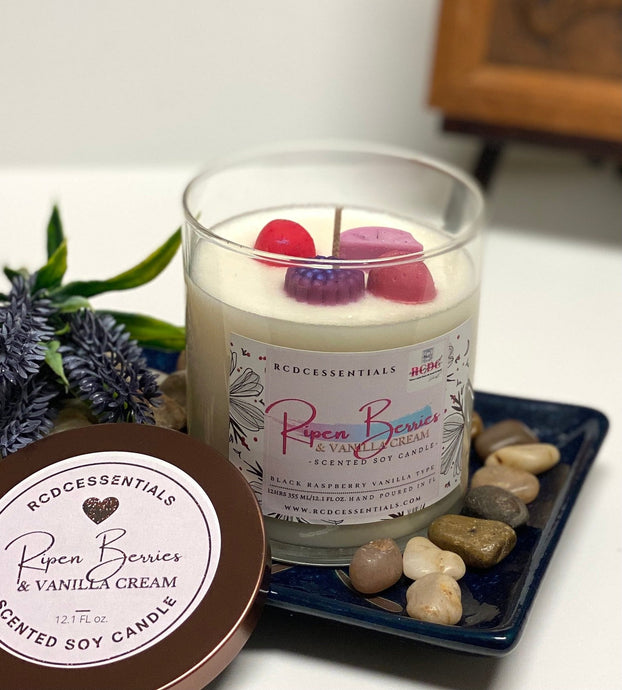 Ripen Berries & Vanilla Cream ~ Natural Hand Poured Soy Candle