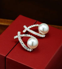 Fashion Gold/Silver Pearl & Crystal Stud Earrings