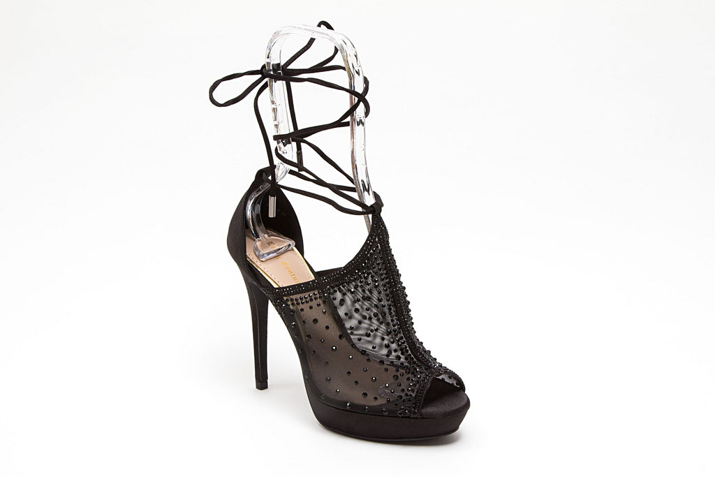 VOGUE BLACK LADY COUTURE SHOES