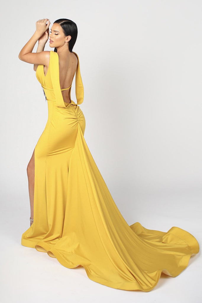 6989 NICOLE BAKTI V NECK RUCHED BACKLESS BODYCON GOWN
