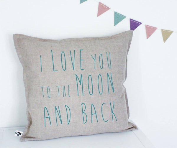 "Dekoratyvinė pagalvėlė ""I love you to the moon and back"""