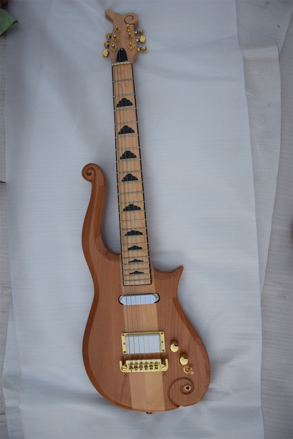 The Cloud Electric Guitar - Ladys Jewels & More