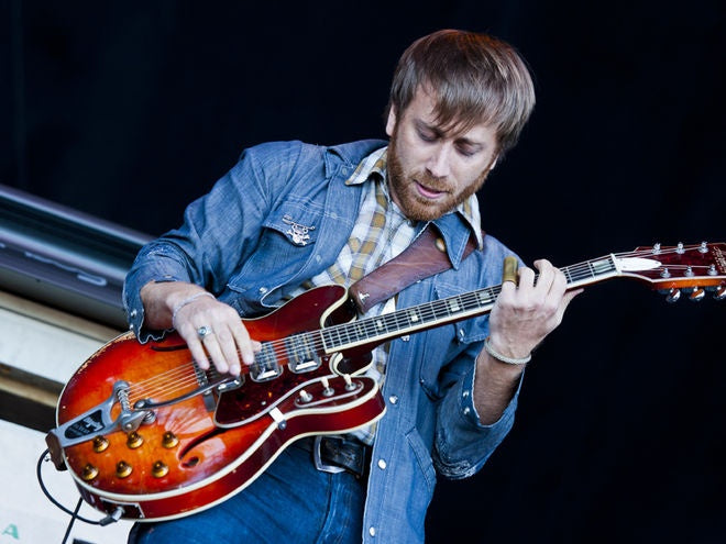Dan Auerbach and his Harmony H78