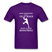 Never Underestimate An Old Man t-shirt - purple