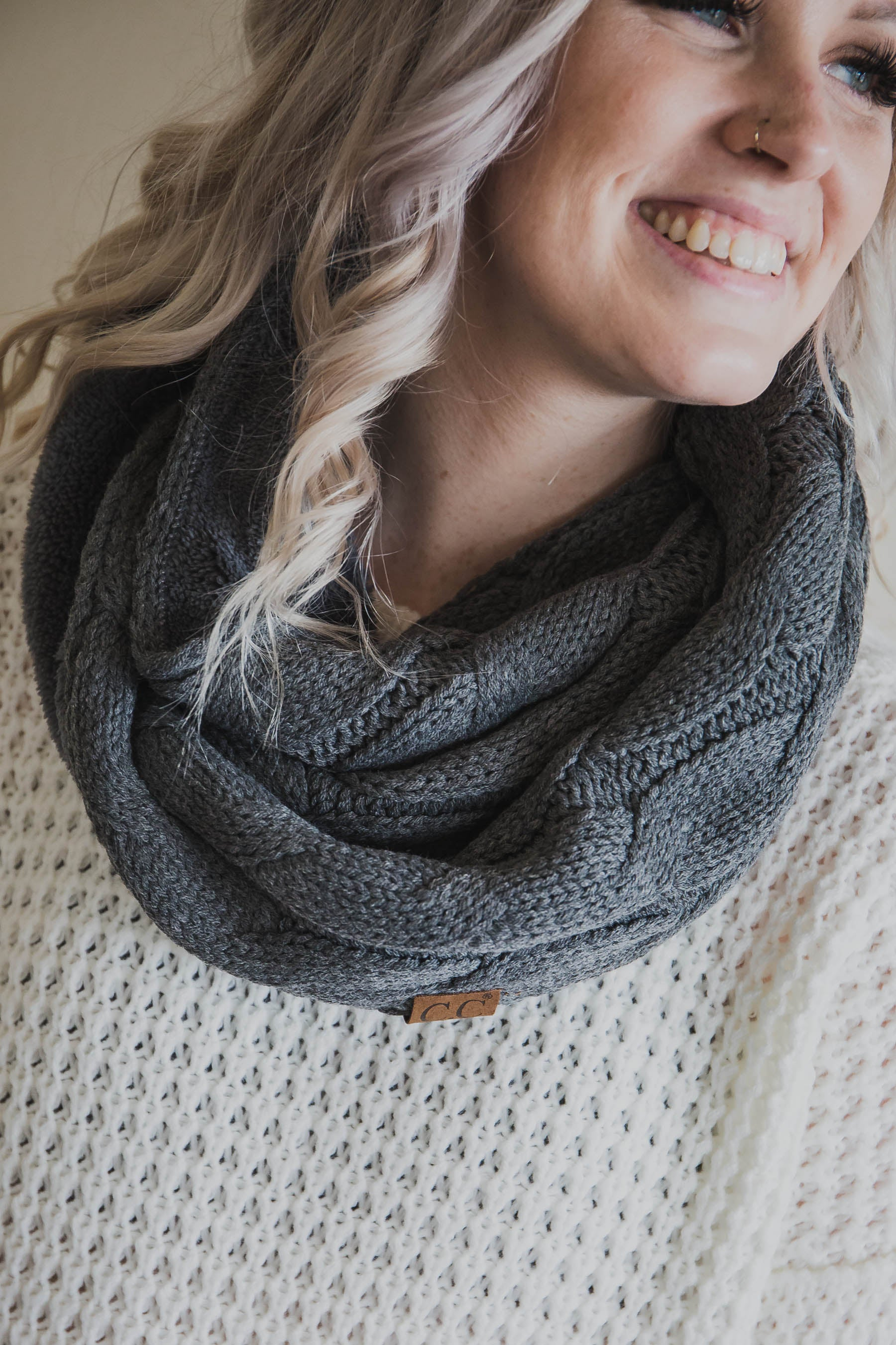 Knit Scarf with Sherpa Lining