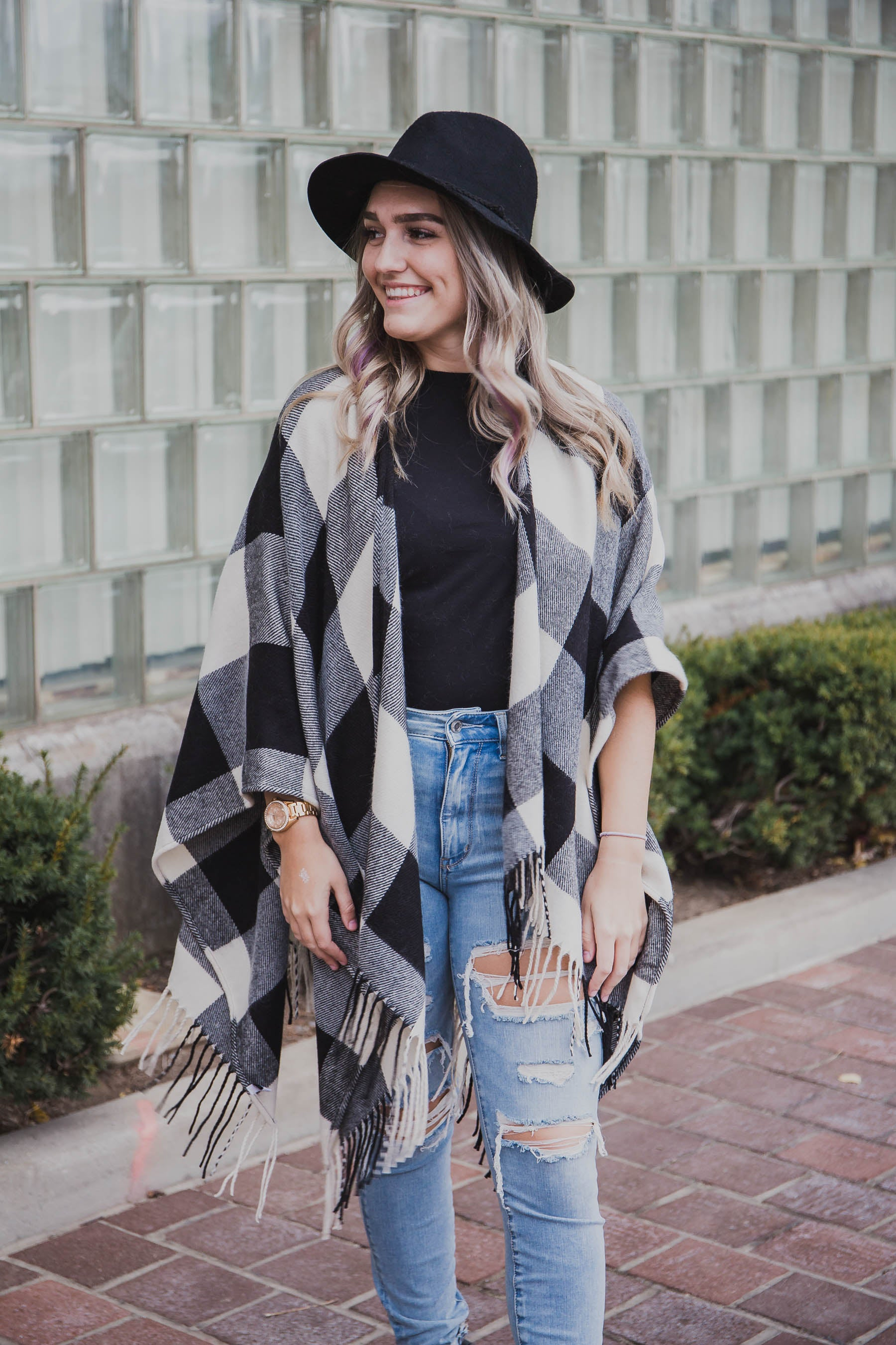 Buffalo Checkered Tassel Poncho