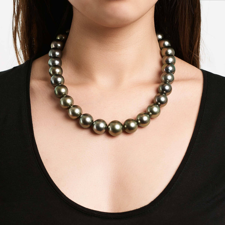 18-inch 15.0-17.1 mm AA+/AAA Tahitian Round Pearl Necklace