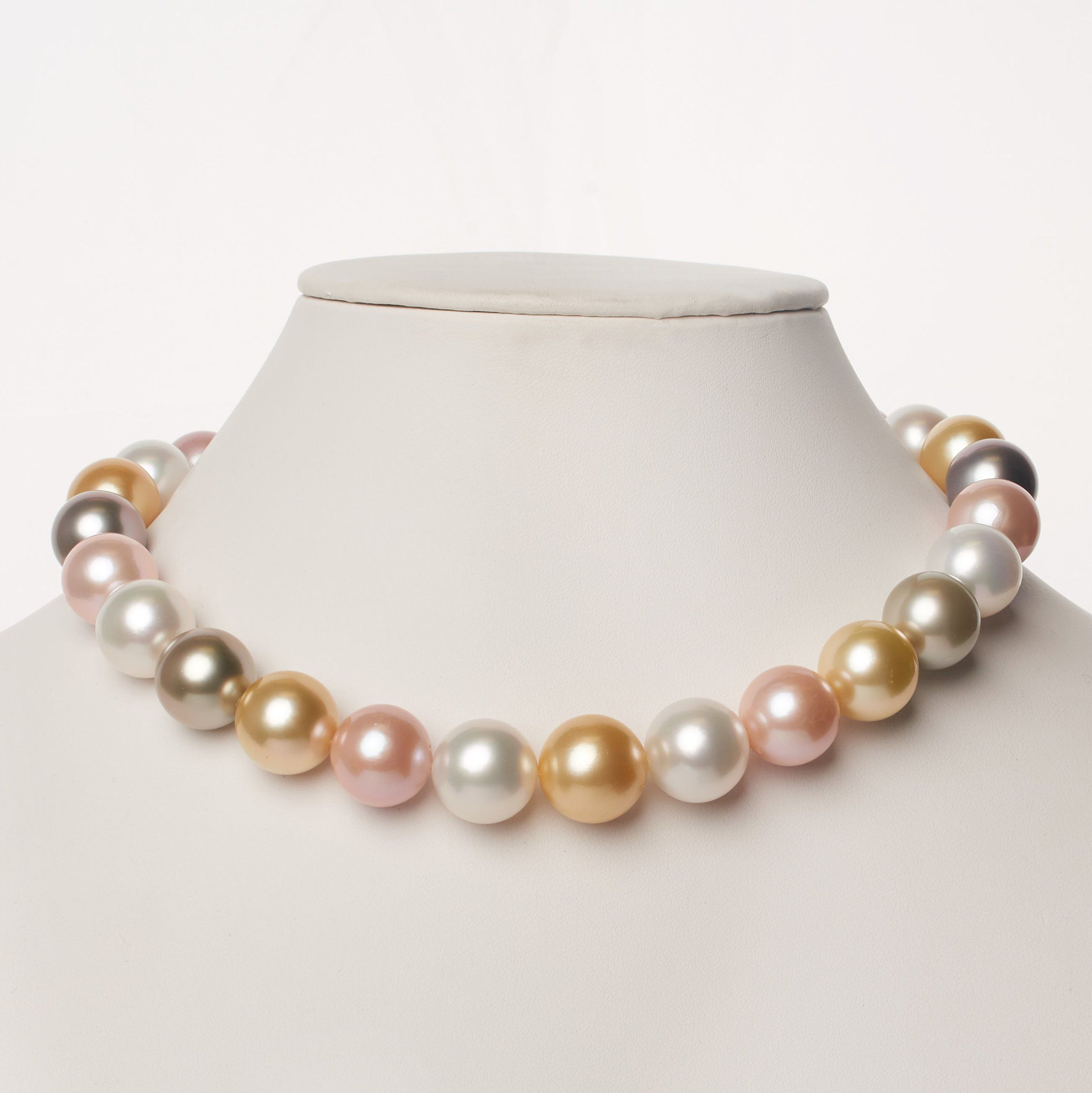 15.0-16.2 mm AAA Multicolored Round Pearl Necklace
