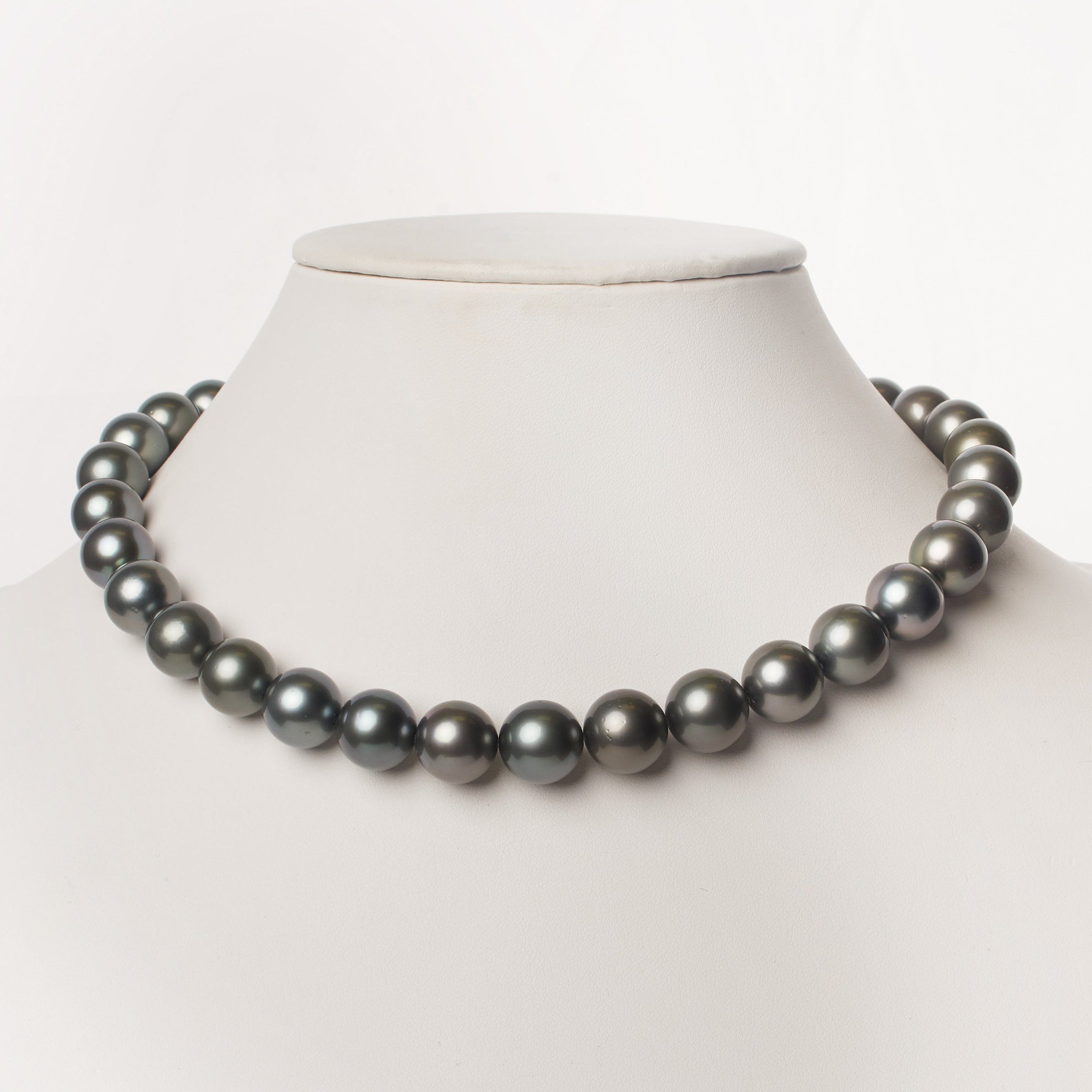 In The Midnight Hour Tahitian Pearl Necklace