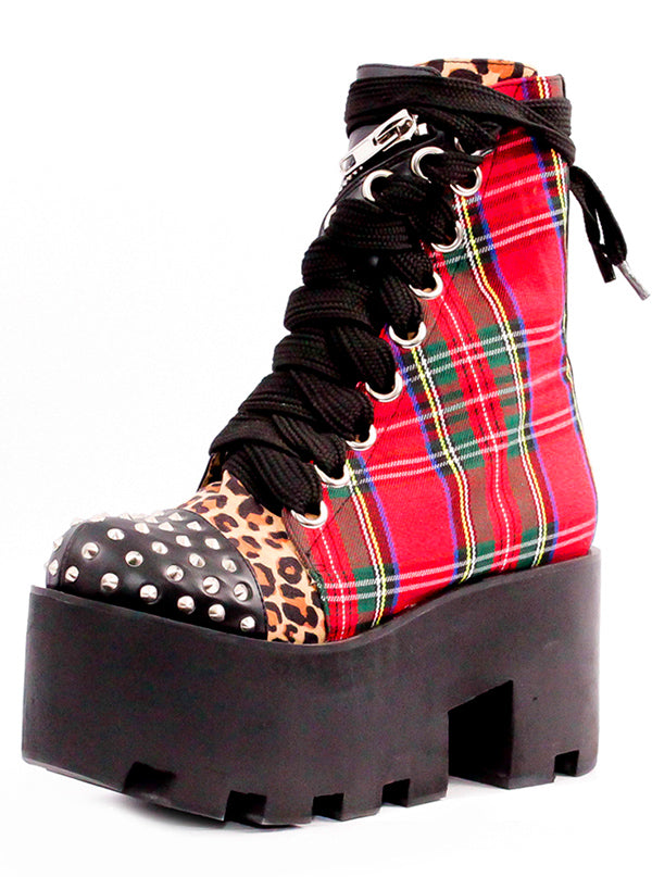 "Women's ""Camden"" Twist Boot by Charla Tedrick (Black/Red)"