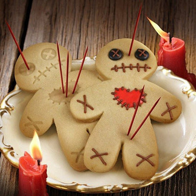 """Cursed Cookies"" Voodoo Doll Cookie Cutter by Fred & Friends - InkedShop - 4"